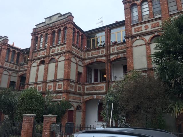 Trilocale in particolare contesto – centro Varano Borghi – Rif. 394