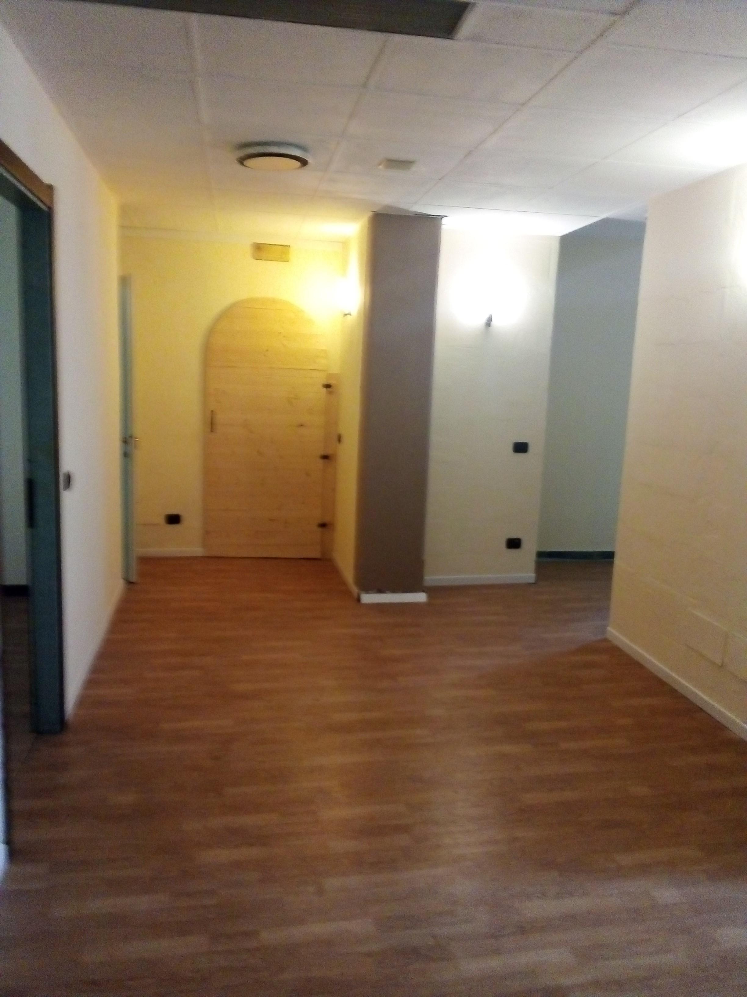 AFFITTASI – ampio spazio ex centro benessere – vari usi – Rif. 898